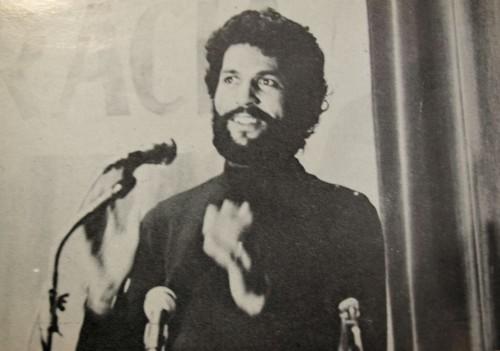 Chadad en el Mitin de la Mutualité de Paris, representando al Frente Polisario. Diciembre 1975