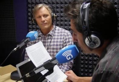 Viggo Mortensen con Javier Gallego de Carne Cruda, donde hablaron de la causa saharaui