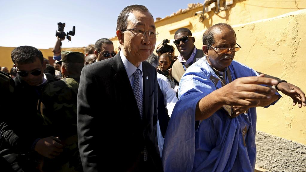 Ban Ki-moon, durante sua visita ao campo de Smara