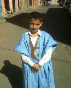El niño Annas Omari