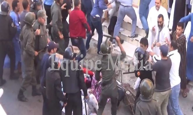 Cientos de saharauis salieron a la calle en El Aaiún, exigiendo la independencia y salida de Marruecos del territorio