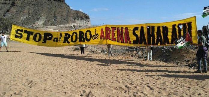 Izquierda Unida y Podemos exigen explicaciones por el uso de arena del Sáhara en la remodelación de playas de Canarias